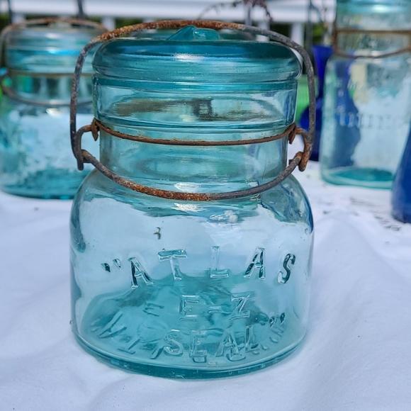 Vintage Aqua ATLAS EZ SEAL canning jar